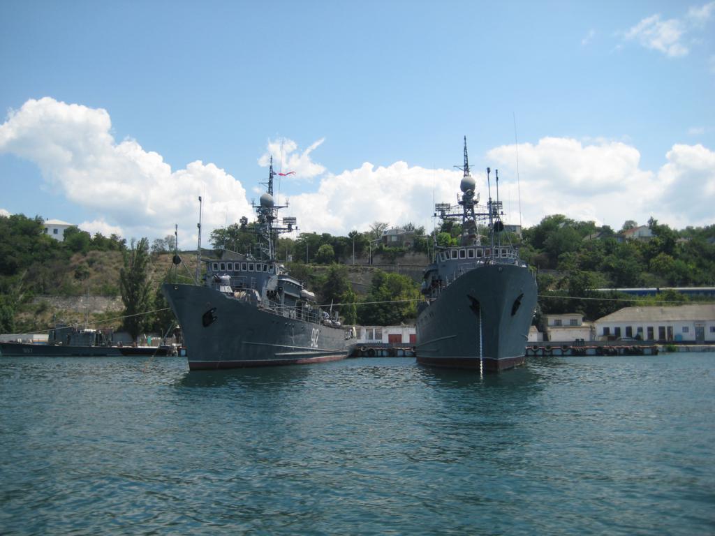 Sovremennii flot v Sevastopole