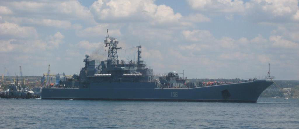 Bolshoy-desantnyiy-korabl-YAmal-v-Sevastopole