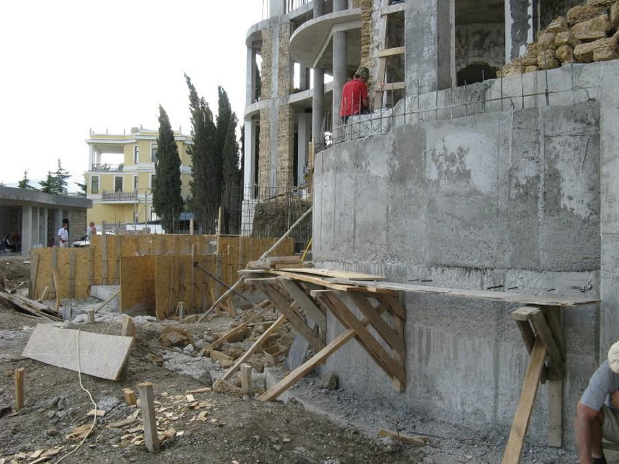 Кооперативы строят жильё в г. Ялта