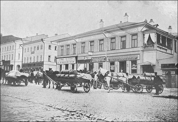 Большинство торговых сделок с покупателями масла производится на условиях franco — Вологда.
