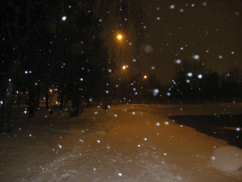 Ангарские пруды. Первый снег кружиться, витает.