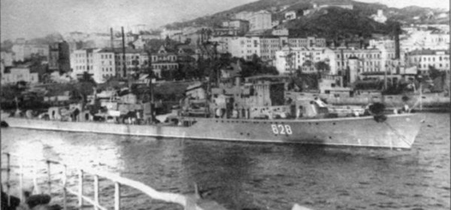 Э.И. Бурмистров. Визит советских кораблей в китайский порт Шанхай